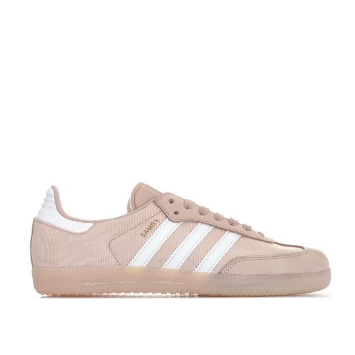 Baskets adidas Originals Samba pour femme en rose.