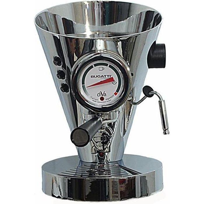 Bugatti Diva chrome machine a cafe