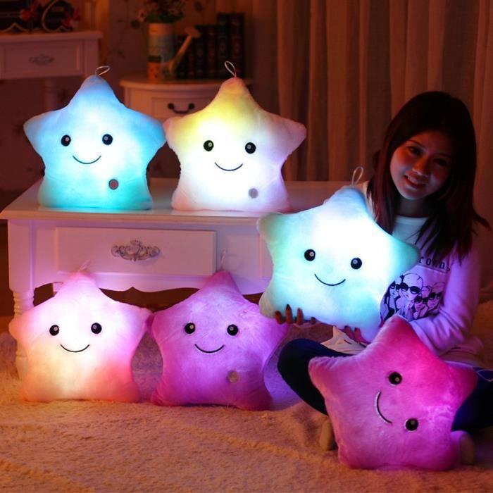 Coussin Lumineuses LED en forme d'étoile Oreiller Peluche Fille Femme Décoration Chambre Canapé Cadeaux d'anniversaire Noël Fête