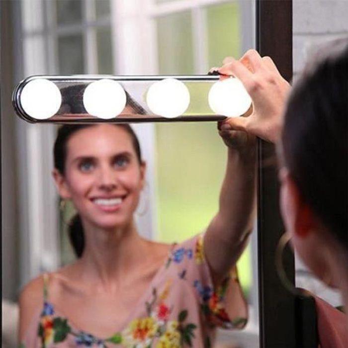 4 LEDs Blanc Super Brilliant Ampoule Lampe Miroir Lumière Maquillage à Ventouse Cosmétique Salle de Bain Portable