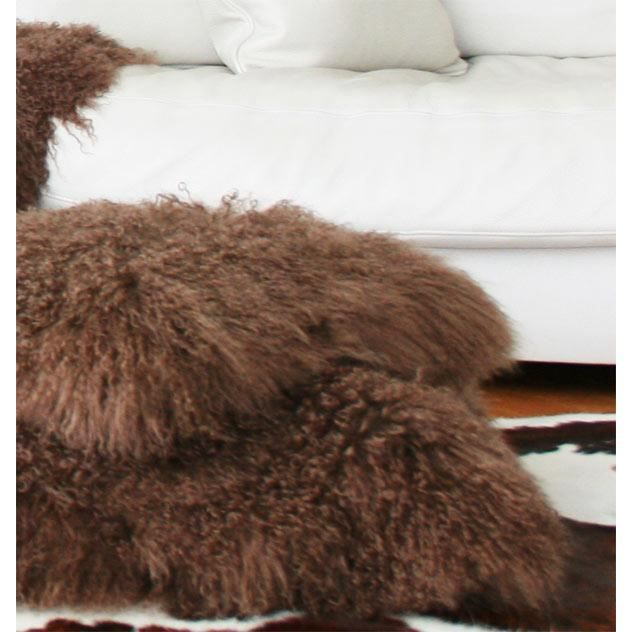 coussin en agneau de mongolie teint marron achat vente coussin cdiscount. Black Bedroom Furniture Sets. Home Design Ideas
