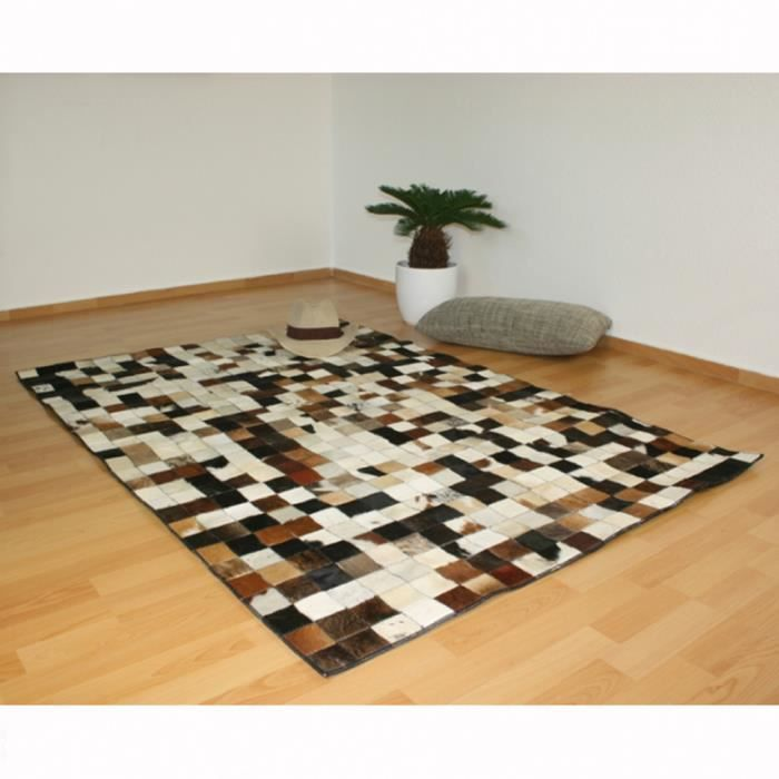tapis carr peau de vache cuir carpet 160 x 230 cm achat vente tapis cdiscount. Black Bedroom Furniture Sets. Home Design Ideas