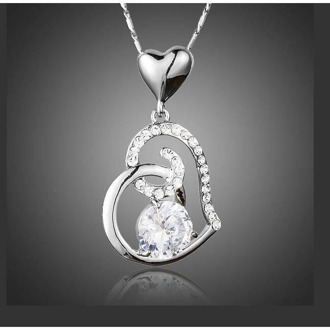 collier avec pendentif coeur serti de cristaux swarovski elements neuf