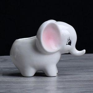 Deco personnage éléphant pour jardin-Appartement