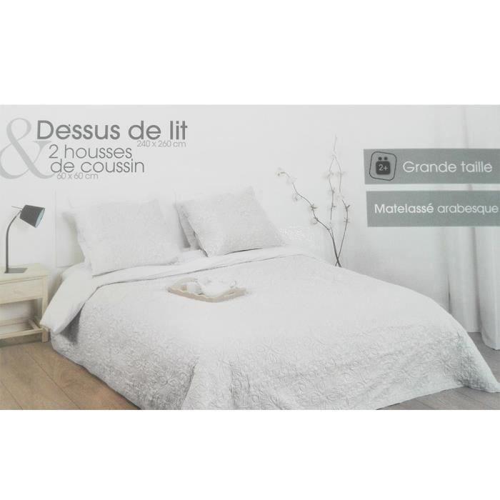 Dessus de lit 240x260 + 2 taies Arabesque Ivoire.