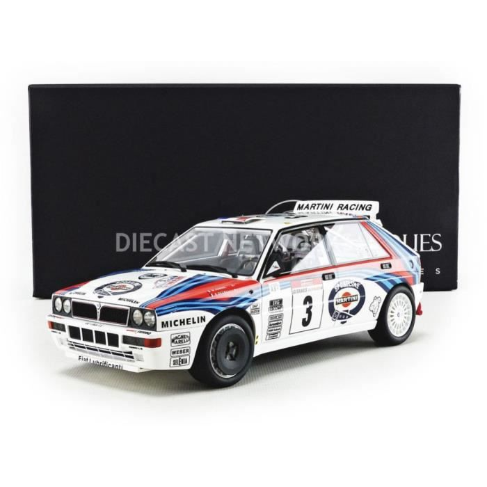 Voiture Miniature de Collection - TOP MARQUES COLLECTIBLES 1/18 - LANCIA Delta 4WD - Winner Tour de Corse 1992 - White / Blue / Red