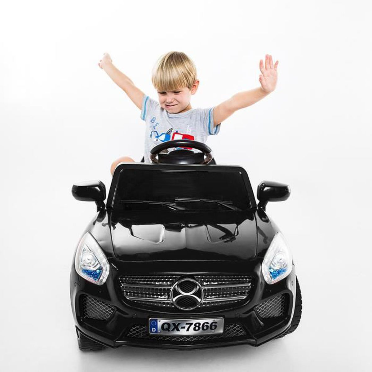 voiture lectrique pour enfant 2 4 ghz v hicule avec. Black Bedroom Furniture Sets. Home Design Ideas