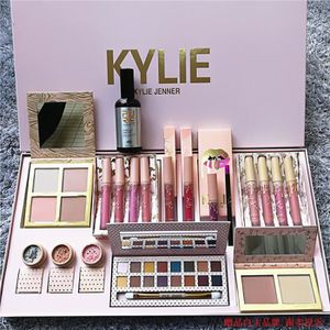 COFFRET CADEAU BEAUTÉ Kylie Jenner Edition Bundle Collection Maquillage