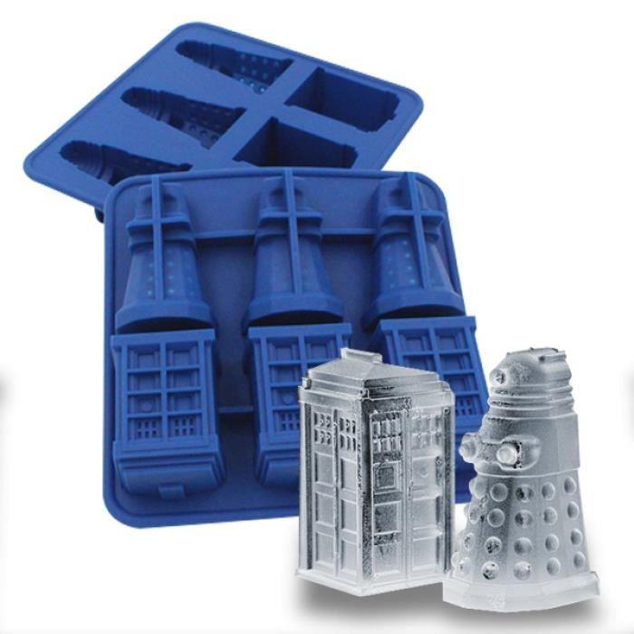 Bac à glaçons Tardis et Dalek Dr Who moule à chocolat * Matière : silicone * Dimensions : 15 x 14 x 3,5 cm * Dimensions approxima...