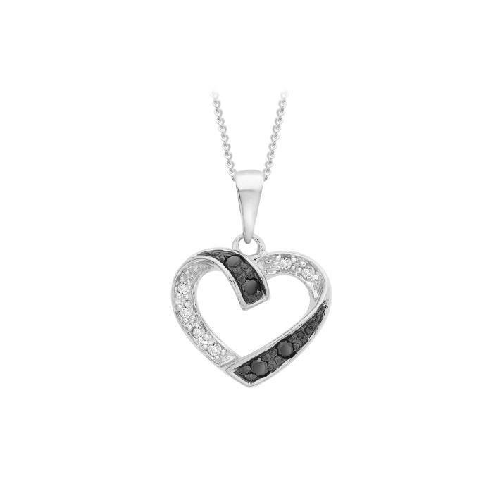 collier femme avec un coeur