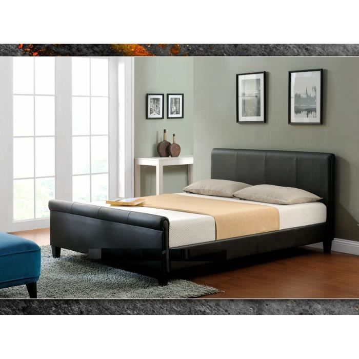 ce lit 180 x 200 avec sommier est rev tu de cuir synth tique noir le sommier lattes est en. Black Bedroom Furniture Sets. Home Design Ideas