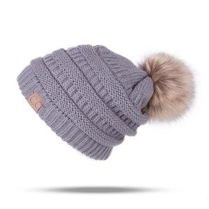 BONNET - CAGOULE 1 Bonnet POMPOM GRIS chaud et doux en tricot doubl