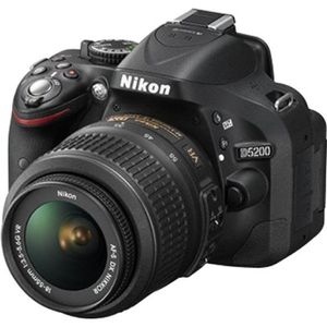 APPAREIL PHOTO RÉFLEX NIKON D5200 Reflex + Objectif 18-55 mm VR