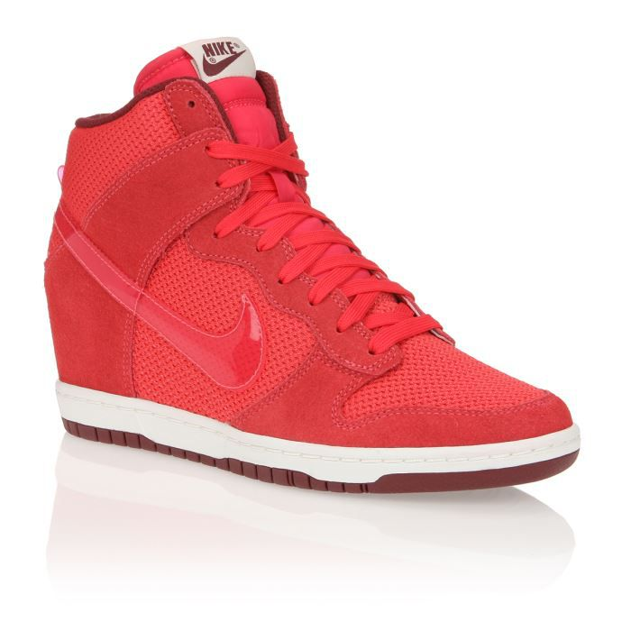 nike baskets dunk sky hi essential femme femme rouge achat vente nike baskets dunk sky hi. Black Bedroom Furniture Sets. Home Design Ideas