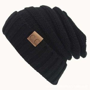 BONNET - CAGOULE Bonnet noir CC Lettre Chapeau de laine de couleur