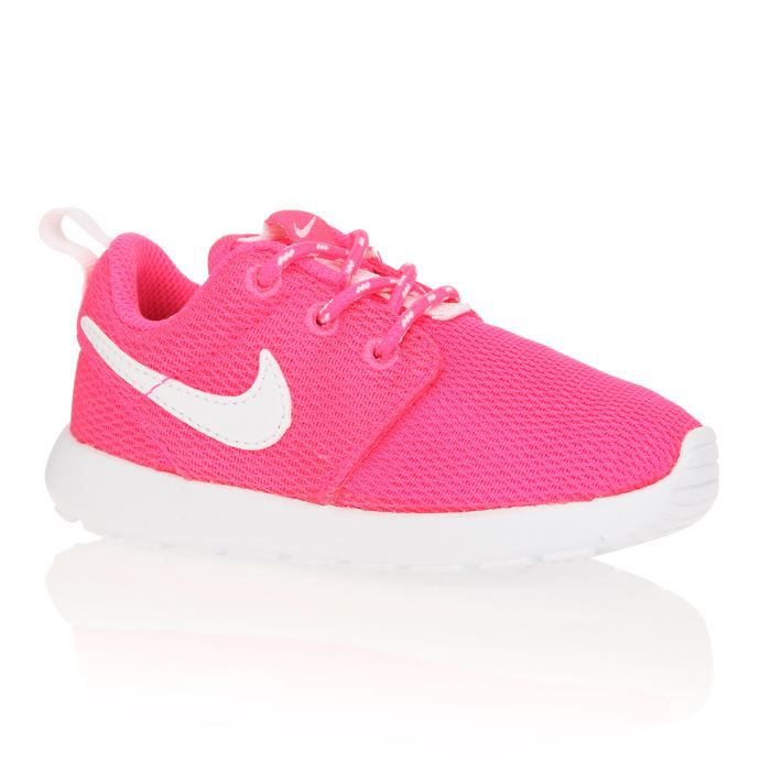 nike baskets rosherun b b fille fuchsia achat vente basket cdiscount. Black Bedroom Furniture Sets. Home Design Ideas