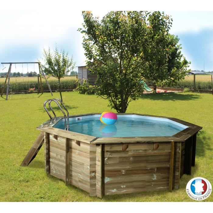 Belle piscine ronde b ton pas cher for Piscine carree semi enterree
