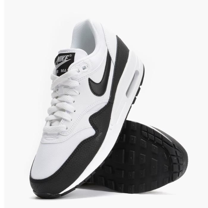BASKET Basket Nike Air Max 1 Essential 599820 115 Blanche