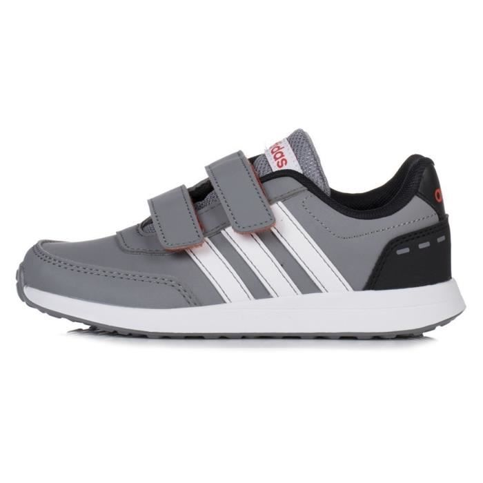 Chaussures Adidas VS Switch 2 Cmf C