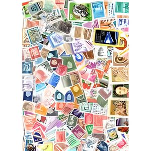 TIMBRE Tous pays - lot de 300 timbres differents
