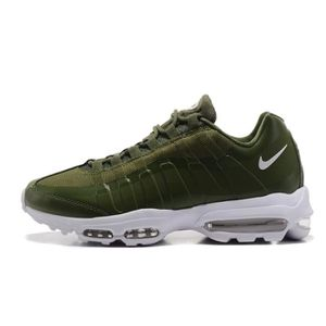 992675ed7a54 ... CHAUSSURES DE COURSE VERT OLIVE. BASKET HOMME NIKE AIR MAX 95 ULTRA  ESSENTIAL BASKETS CHAU