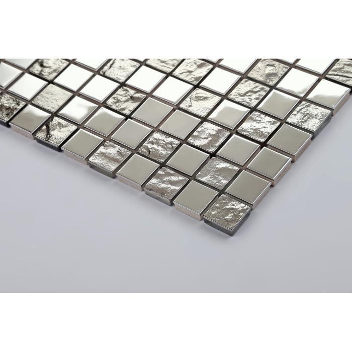 Carrelage mosaïque en acier inoxydable et verre texturé . Argenté. Offre proposée pour l'achat d'un petit échantillon (MT0129)