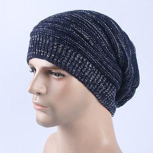 BONNET - CAGOULE Bonnet bleu foncé Chapeau à tricoter à rayures en