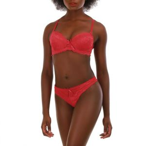 ENSEMBLE DE LINGERIE Ensemble rouge soutien gorge push up et string à 0b13583e29b