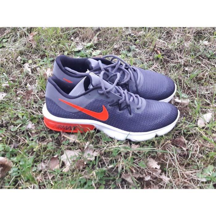 BASKET Nike Air Max Sequent 3