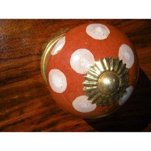 POIGNÉE - BOUTON MEUBLE Boutons en porcelaine marron poix blancs