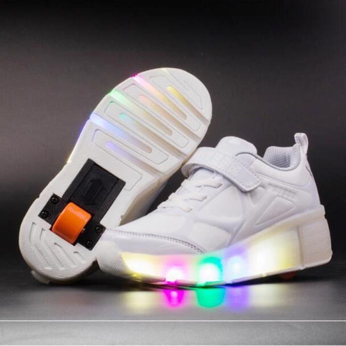 Chaussures Blanc Style Basket LED Roues à Enfant Garçons Sneakers Lumière Nouveau une Roulettes Filles Chaussures P0OkX8wn