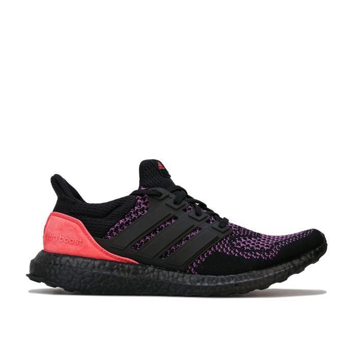 Baskets Adidas Ultraboost Pour Homme En Noir Et Violet.