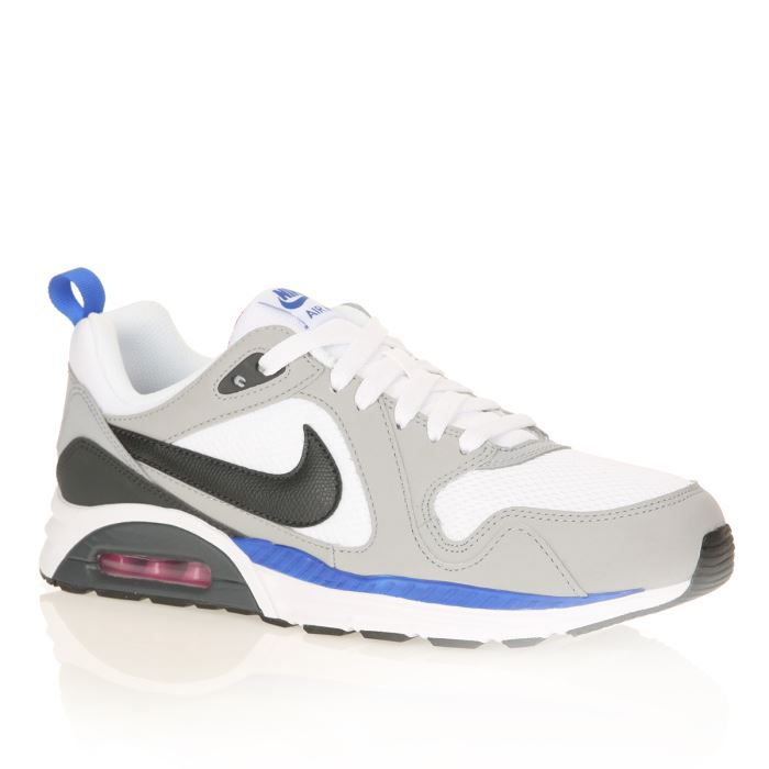 buy popular 1d824 f5298 BASKET NIKE Baskets Air Max Trax Homme. Baskets basses en cuir et textile,  coloris gris, blanc et noir.
