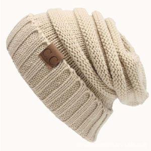 BONNET - CAGOULE Bonnet Beige CC Lettre Chapeau de laine de couleur
