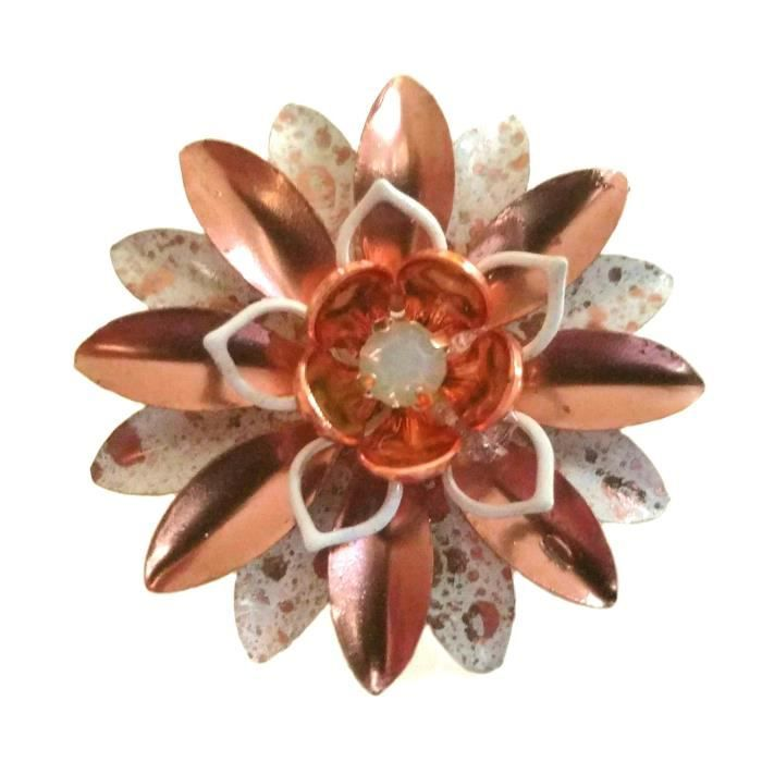 Womens Small Rose Gold Tone And White Enamel Flower Pin A3ZY6