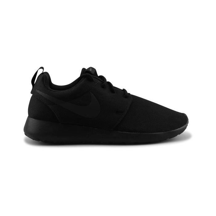 BASKET Wmns Nike Roshe One Noir