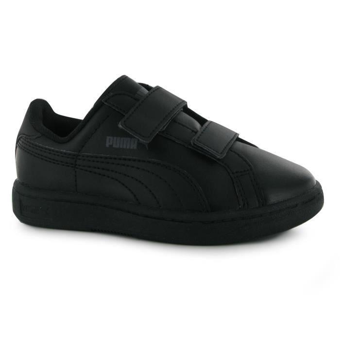 Londres, Royaume Uni 2 Janvier 2018: Chaussures Adidas
