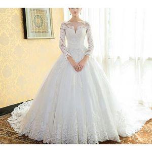 Robe de mariee princesse longue traine -