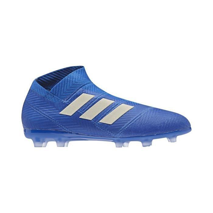 Chaussure de foot sans lacet