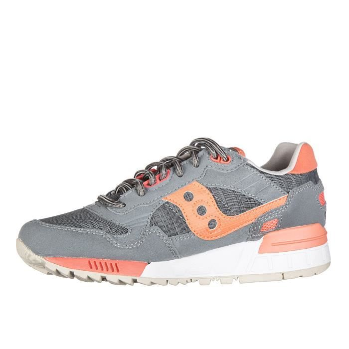 Chaussures baskets sneakers femme en daim shadow Saucony