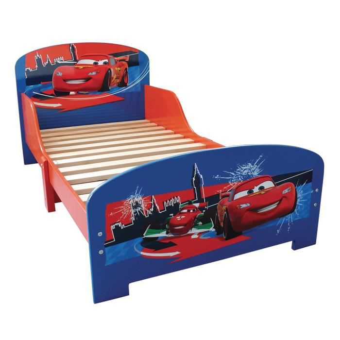 lit cars flash mcqueen voiture de course 70 x 140 achat vente lit b b 2009944649724. Black Bedroom Furniture Sets. Home Design Ideas