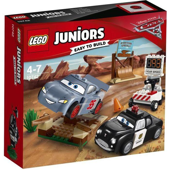 Photo de lego-juniors-cars-3-10742-la-piste-dentrainement-de