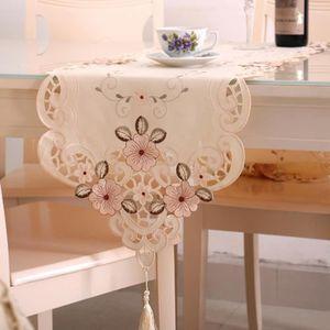 CHEMIN DE TABLE Jiyaru chemin de table broderie style classique dé