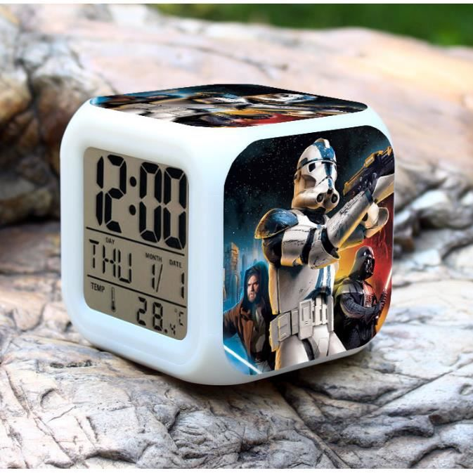 star wars color couleur r veil achat vente horloge. Black Bedroom Furniture Sets. Home Design Ideas