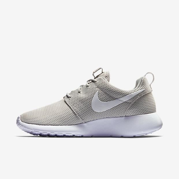 BASKET WMNS NIKE ROSHE ONE 511882-095