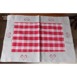 Set de table coeur rouge achat vente set de table for Set de table brode