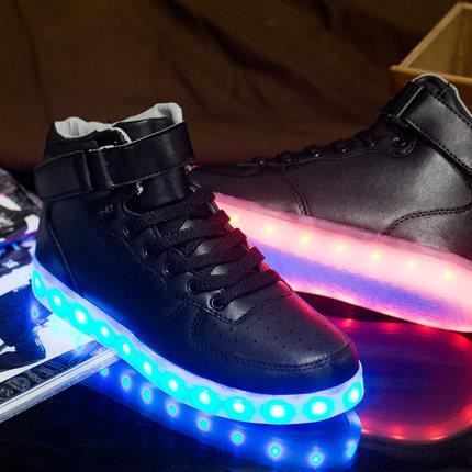 chaussure led femme homme baskets lumineuses montantes usb rechargeable 7 couleurs chaussures. Black Bedroom Furniture Sets. Home Design Ideas