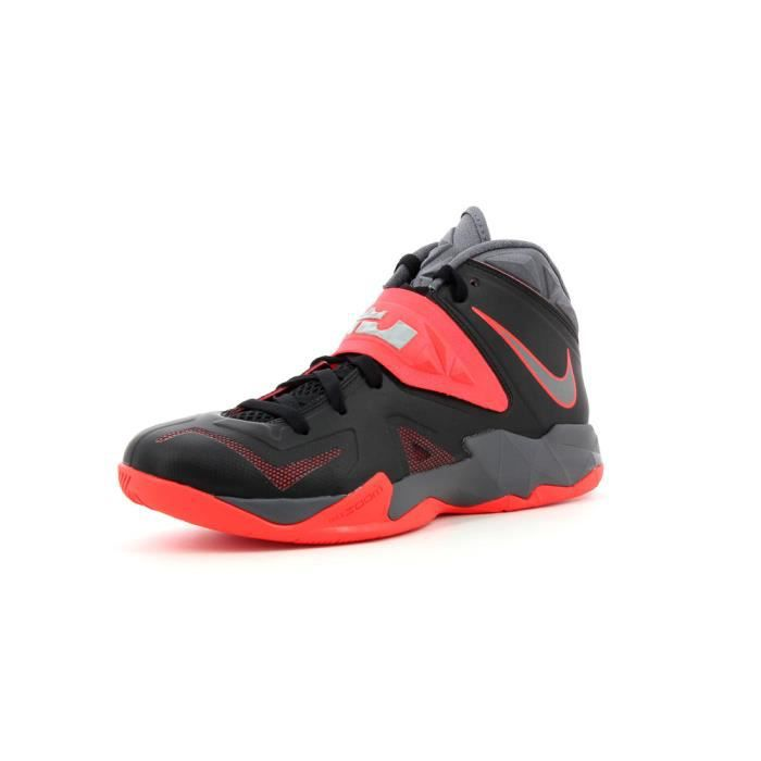 chaussures de basket nike zoom s achat vente. Black Bedroom Furniture Sets. Home Design Ideas