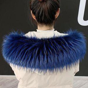 Col fausse fourrure bleu