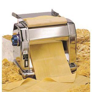 MACHINE À PÂTES Machine professionnelle à pâtes électronique. B...